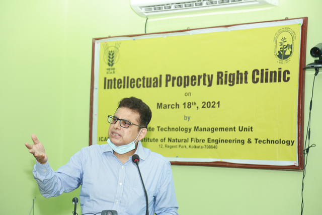 Adv. Anjan Sen is delivering his lecture